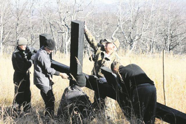 Крест установили неравнодушные жители Паланы.