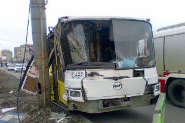 Два человека погибли в этом году из-за ДТП с участием автобусов.