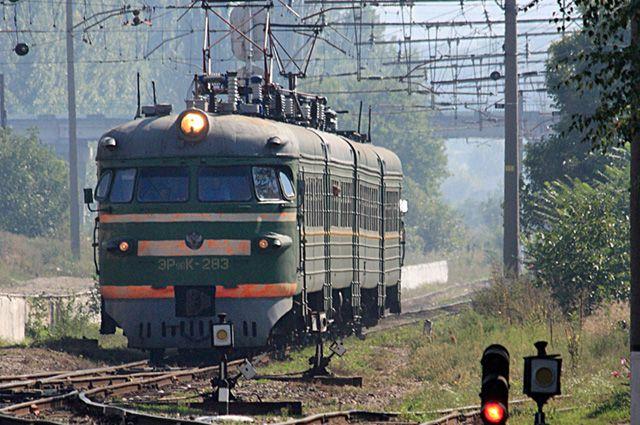 Цена на проезд повышается, а электрички ходят ещё с советских времён.