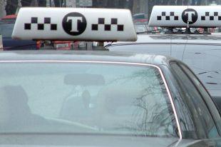 На Камчатке пьяный водитель такси возил пассажиров