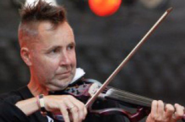 Один из хэдлайнеров фестиваля, скрипач Найджел Кеннеди из Великобритании.