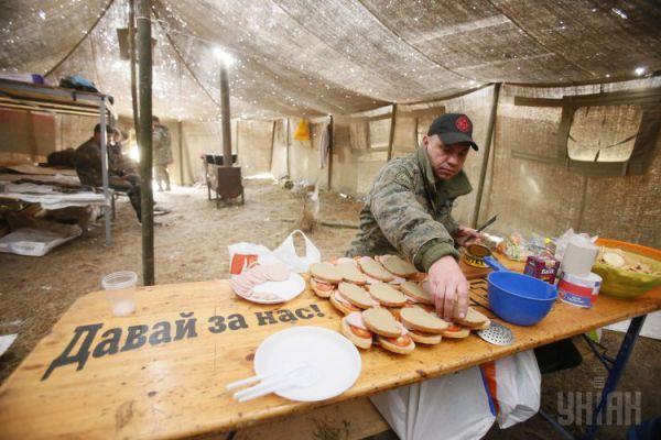 Тренировка военных и добровольцев на Марусином полигоне
