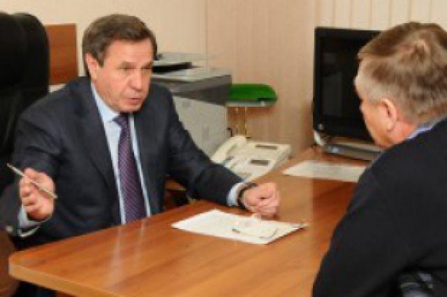 Губернаор НСО, Владимир Городецкий ведёт личный приём граждан.