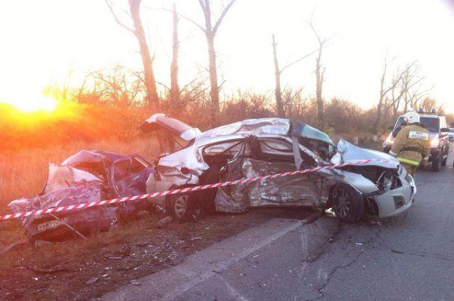 На автомагистрали Ростов - Ставрополь погибли шесть человек