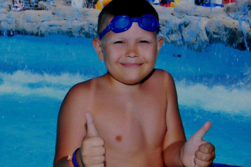 Участник №2. Глеб Филлипов обожает плаванье.