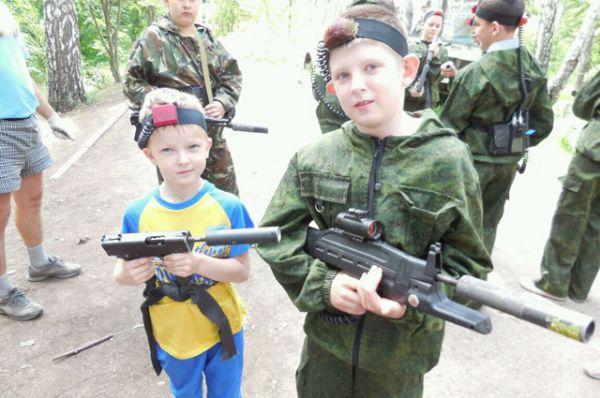 Участник №11. Дима и Витя Поляковы мечтают пойти по следам папы и стать военными.