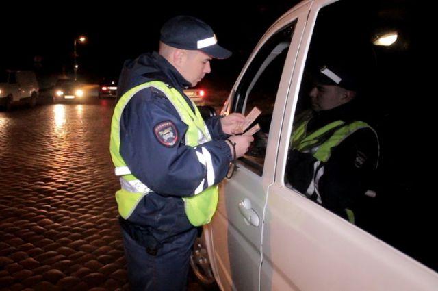 Дорожные полицейские будут выявлять злостных неплательщиков.