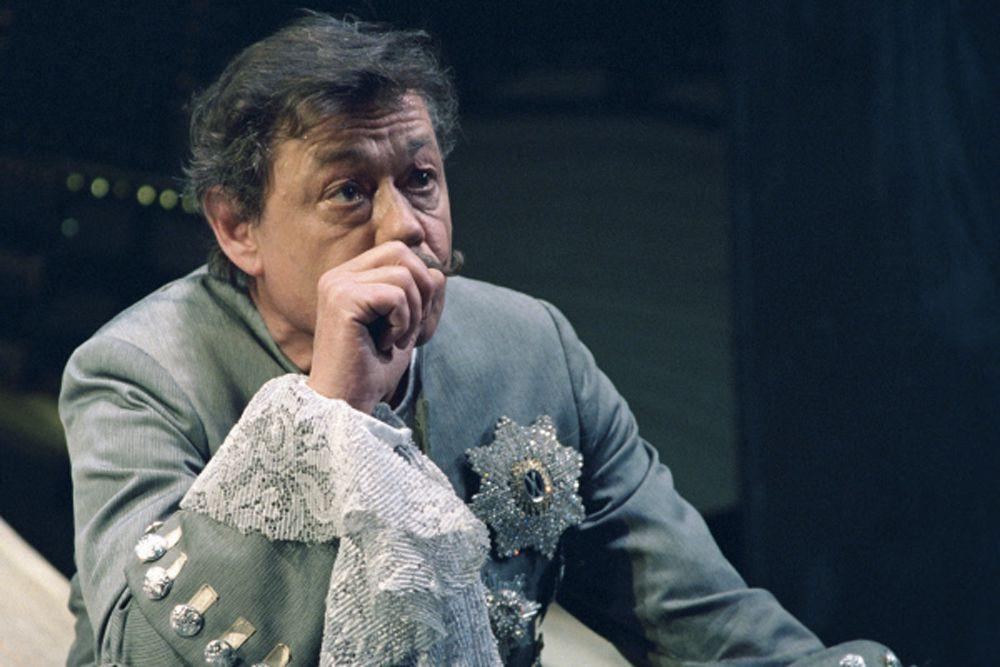 Караченцов признался, что больше всего жалеет только об одном – о ролях, которые ему так и не довелось сыграть в театре.