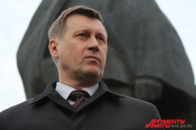 Анатолий Локоть защитит каменного Ильича.