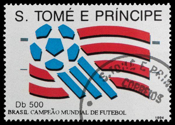 ЧМ-1994 в США. Бразильцы выиграли мировое первенство в четвертый раз, обыграв итальянцев.