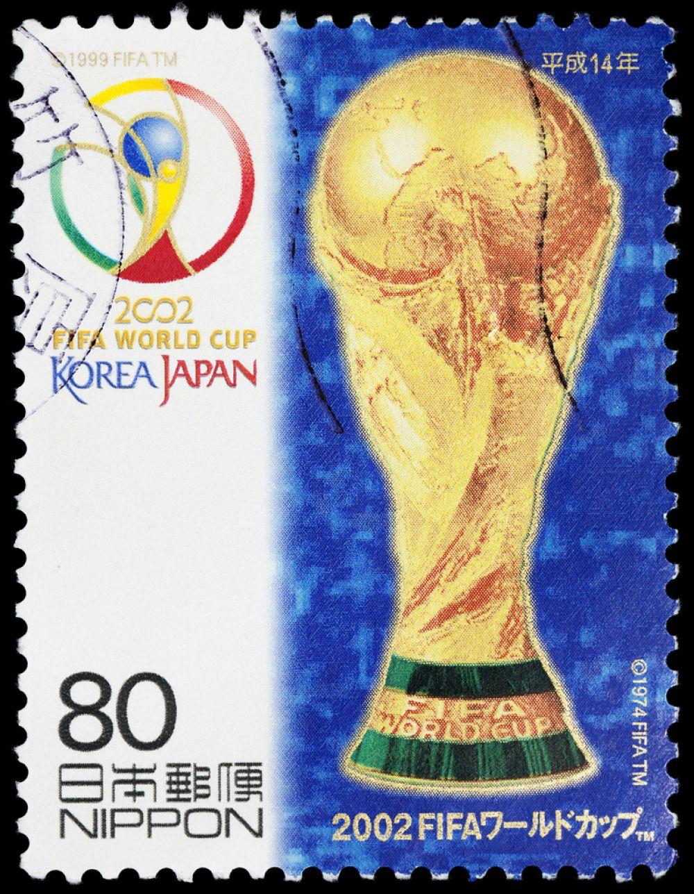 ЧМ-2002 в Южной Корее и Японии. Сборная Бразилии стала пятикратным чемпионом мира, обыграв в решающем матче команду Германии.