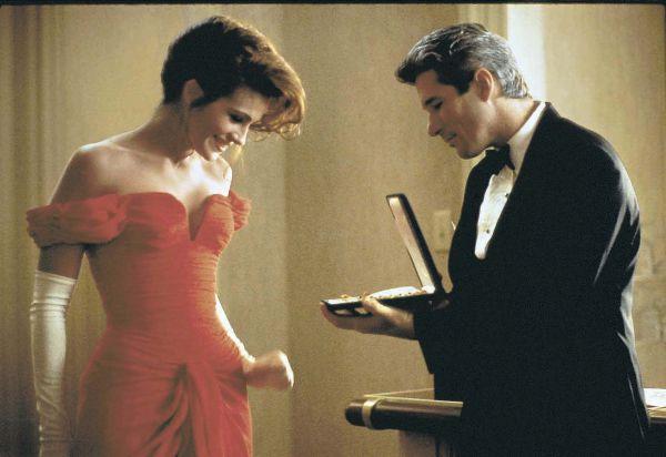 «У меня недостаточно нарядов, чтобы быть леди, и я бы никогда не назвала себя женщиной» (кадр из фильма «Красотка», 1990)