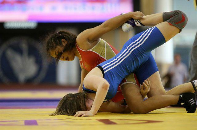 Соревнования по вольной борьбе пройдут среди девушек.