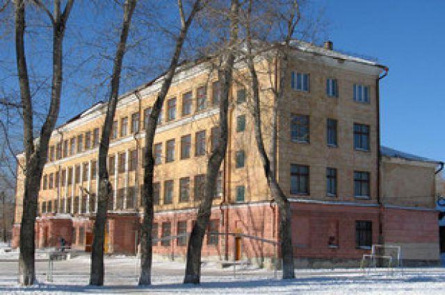 В Екатеринбурге еще одно учебное заведение отстроят заново