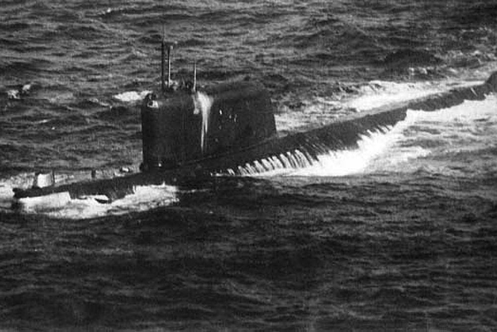 К-19 — атомная подводная лодка проекта 658 с баллистическими ядерными ракетами, первый советский атомный ракетоносец. За многочисленные аварии получила на флоте прозвище «Хиросима». Основную известность получила уже в наши дни, после ряда фильмов об аварии правого реактора в 70 милях от острова Ян-Майен в 1961 году.