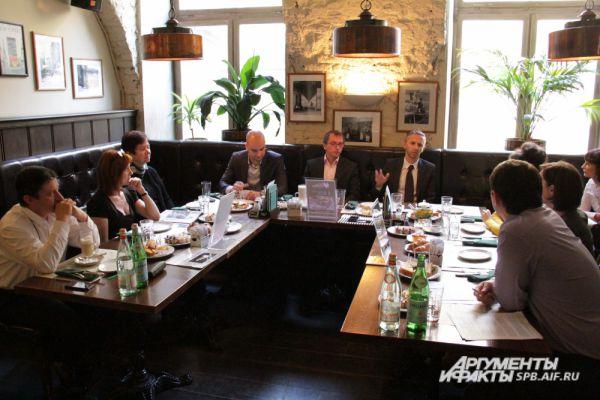 Накануне Дня автомобилиста «АиФ-Петербург» встретился с представителями петербургских автомобильных дилеров.