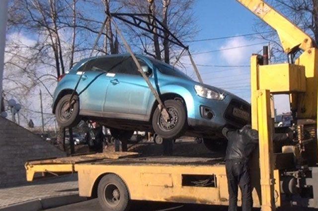 Полицейский рейд по выявлению нелегальных таксистов в Иркутске.