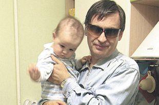 Сергей Новиков с сыном Витей.