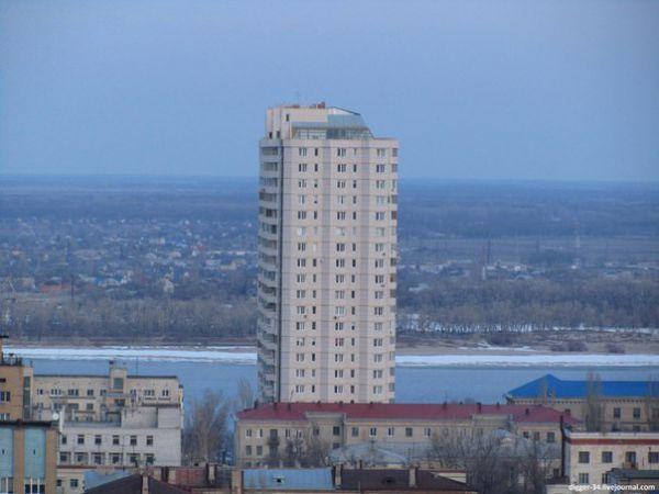 Волгоград входит в десятку российских городов с самими высокими зданиями.