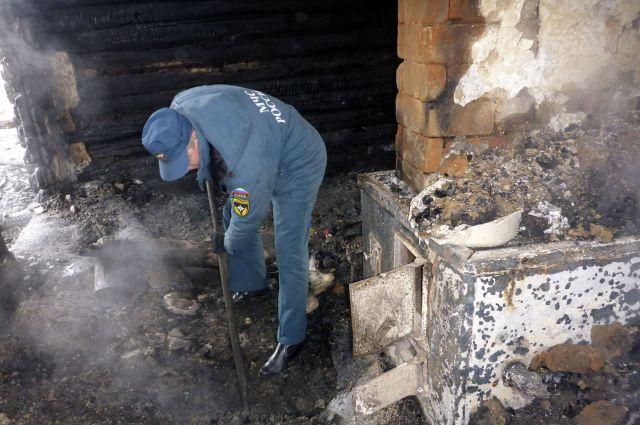 Пожар в Называевском районе стал причиной смерти целой семьи.