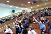 Желающих учиться в вузах всё больше, а бюджетных мест меньше.