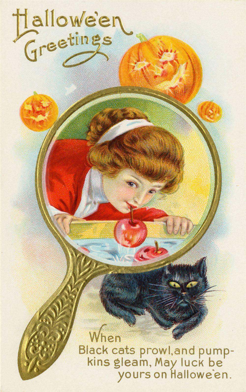 Магия Хэллоуина – играться яблоками на воде