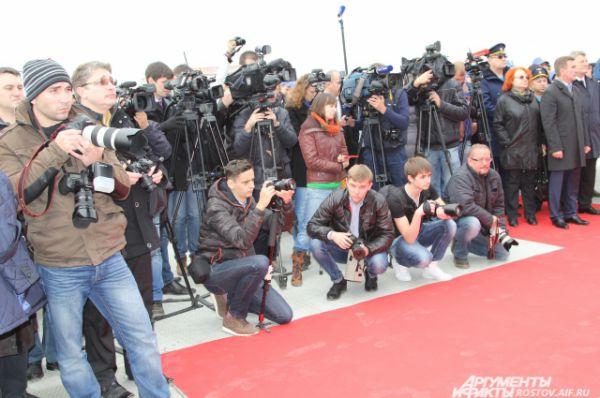 Событие освещалось многочисленными представителями СМИ
