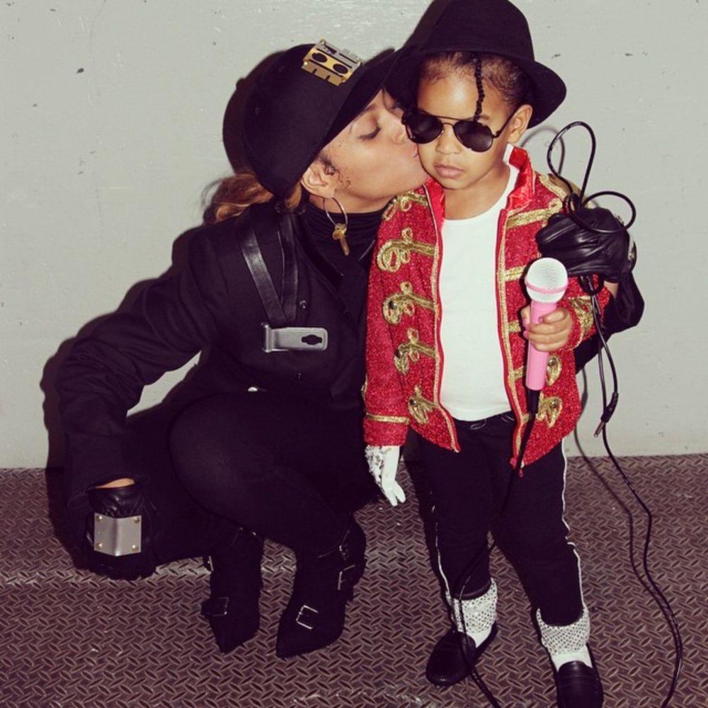 Бейонсе изобразила Джанет Джексон, а ее маленькая дочь предстала перед публикой в образе легендарного Майкла Джексона