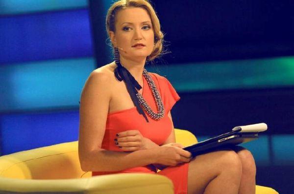 Екатерина Тарута – дочь бывшего донецкого губернатора, президента ФК «Металлург» Сергея Таруты, несколько лет работала ведущей музыкального канала М1, ведет международный блок программы «Факты» на телеканале ICTV