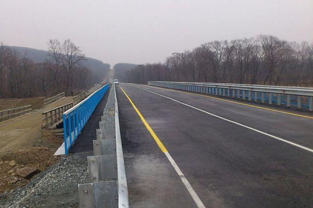 Мост через реку Кедровка вновь работает.