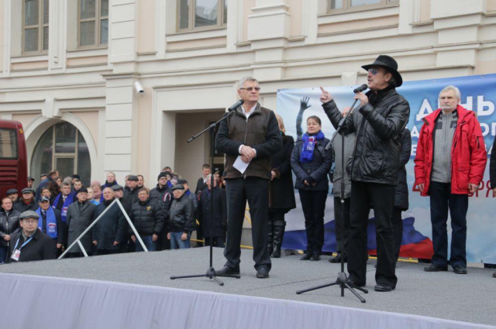 Также перед собравшимися выступил народный артист России Михаил Боярский.