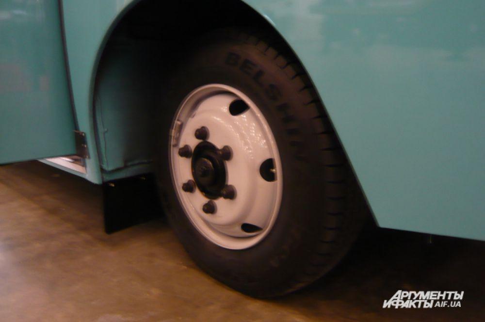 Максимальная скорость автобуса А07А1-404 – 90 км/ч