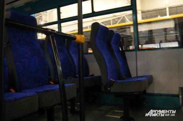 Количество мест для сидения без водителя – 29, а общее составляет 39