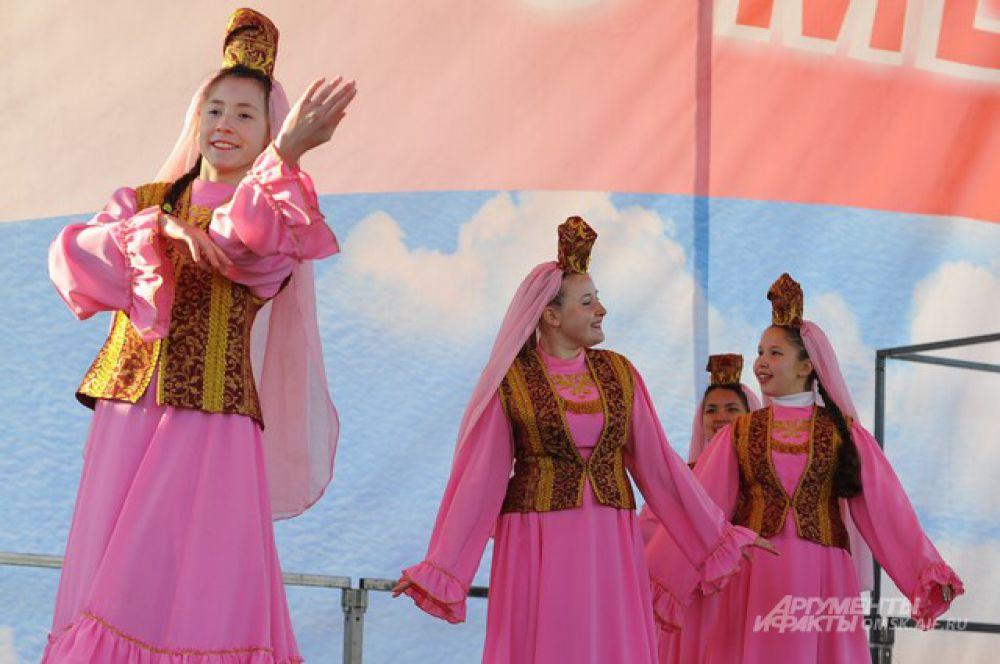 Омичи приняли участие в праздновании Дня народного единства.