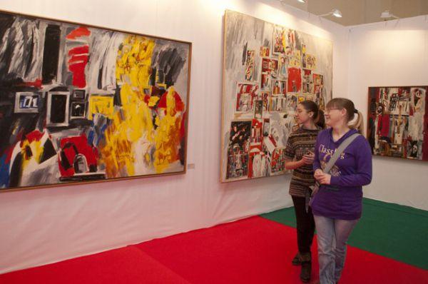 Выставка «ЕврАзия-Арт: великие реки искусства» начала работать в Омске.