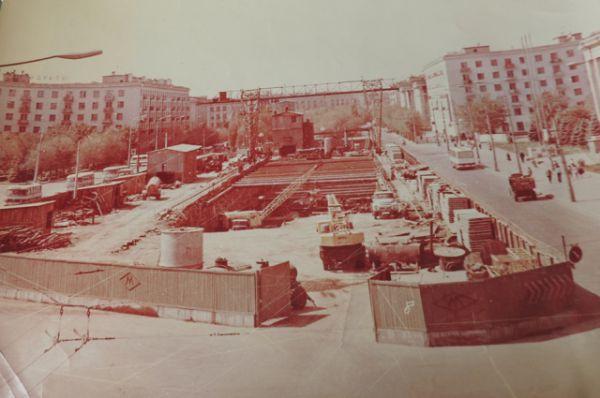 Все подземные станции строились в Волгограде «открытым» способом.