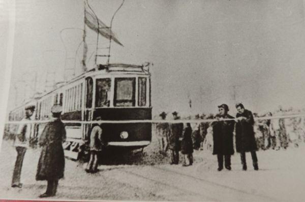 Первый трамвай в Царицыне вышел на линию 9 апреля 1913 года.