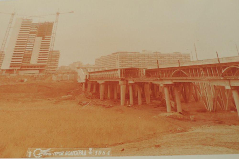 Эстакада на станции «Пионерская». 1984 г.