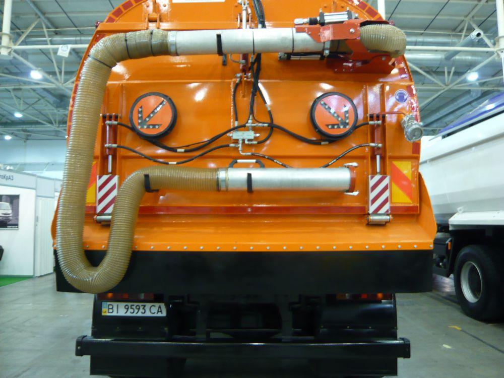 Вакуумный подметально-уборочный автомобиль КрАЗ-5401 К2