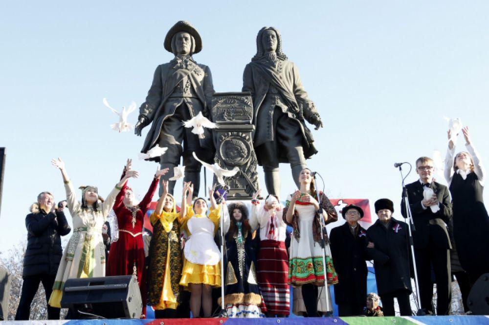 В Екатеринбурге главной площадкой праздника стала площадь Труда.