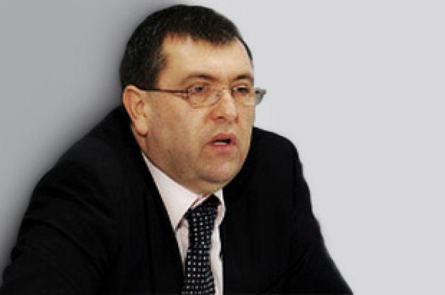 Алишер Аминов.