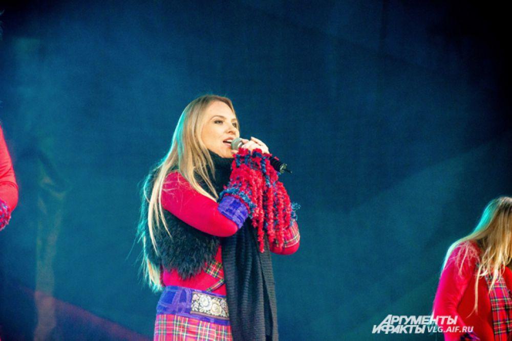 Главной звездой вечера была певица Варвара.