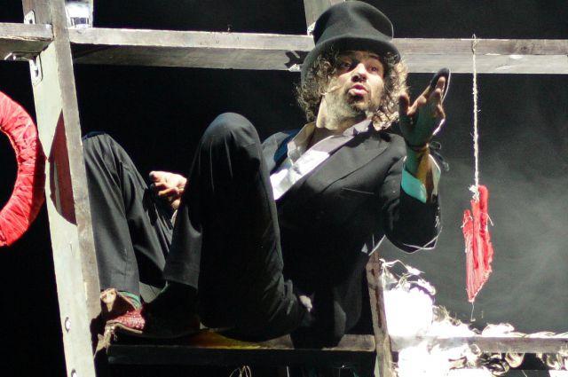 Джулиано ди Капуа в спектакле «Мария де Буэнос-Айрес».