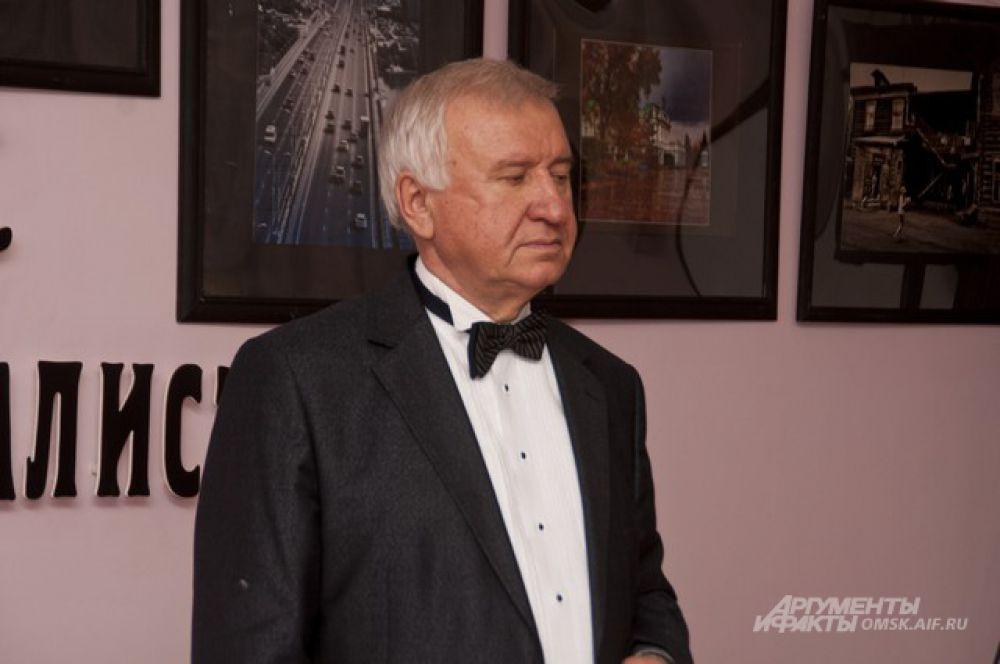 Выставка Владимира Кудринского «Омск: навстречу 300-летию».