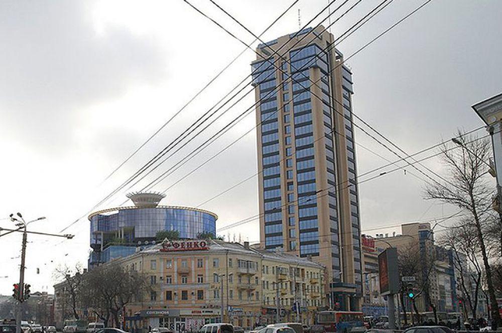 Самое высокое здание в Воронеже – это Центр Галереи Чижова. Небоскреб был построен в 2011 году. Его высота – 100 метров, 25 этажей