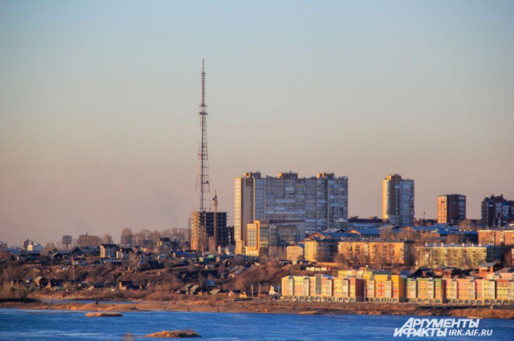 Высота иркутской телевизионной вышки составляет 192 метра