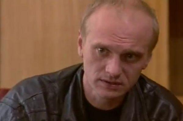 Алексей Девотченко был обнаружен мертвым 5 ноября в собственной квартире. Актеру было всего 49 лет. Следственный комитет проводит по факту гибели Алексея Девотченко доследственную проверку.
