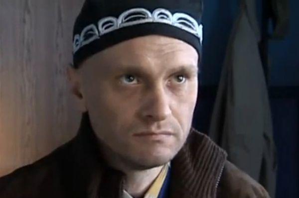 В 2013 и 2014 году Алексей Девотченко являлся актером «Гоголь-центра» и участвовал в таких постановках как «Мертвые души» по Николаю Гоголю и «Гамлет» по Уильяму Шекспиру.