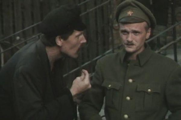 По предварительной информации, кровавая драма разыгралась в доме №100 на Алтуфьевском шоссе. Следователи не исключают, что звезду российских сериалов могли убить.