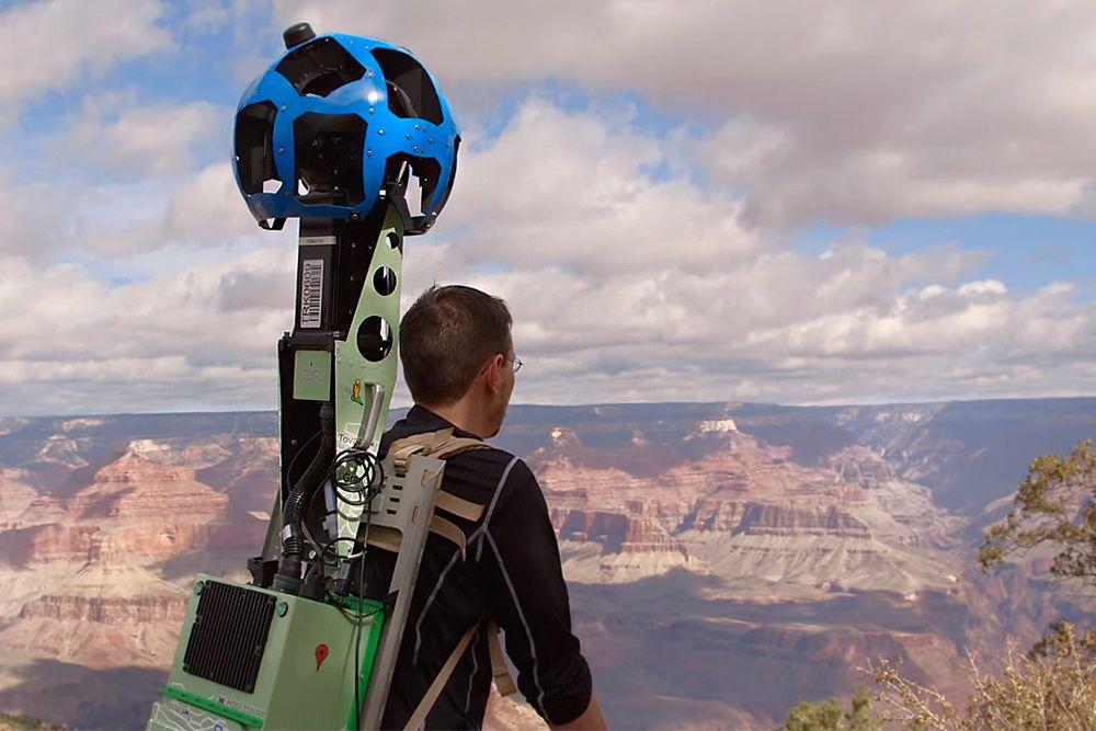Во время съемок Гранд каньона в США обошлось без происшествий, хотя за время существования проекта произошло много курьезов: в камеры Google Street View попадали даже грабители.
